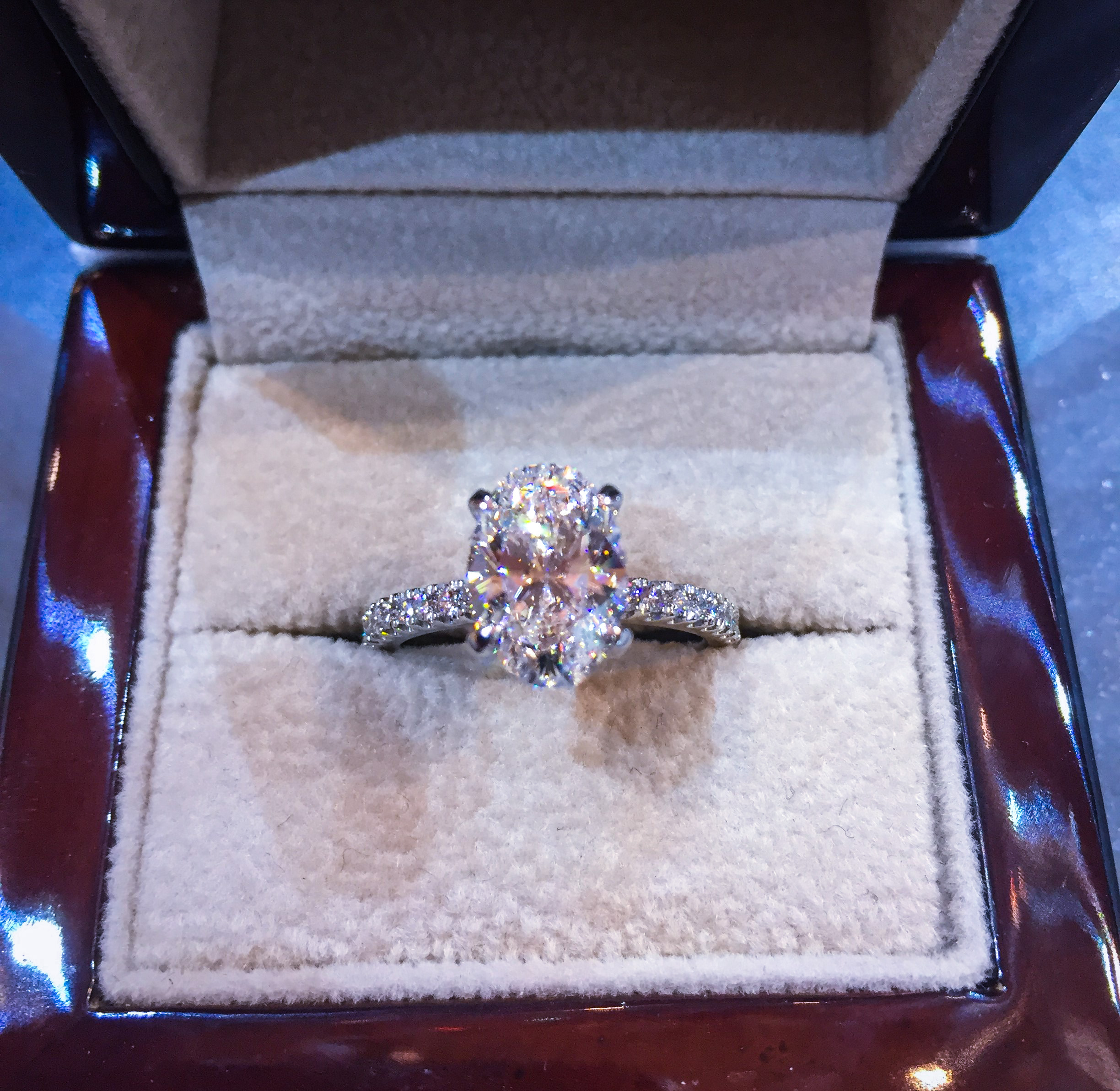 We Buy Diamond Estate Jewelry in Omaha Nebraska